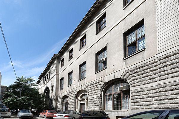 Здание Нац. публичной библиотеки 1