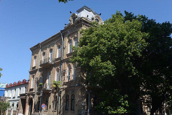 Wolfenzon House